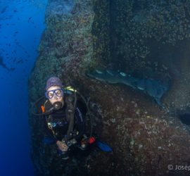 Itziar Aretxaga. Submarinismo. Roca Partida, Revillagigedo, Mexico.